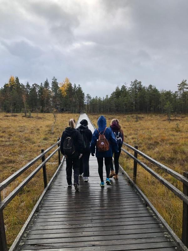 Kannan liikuntatapahtumissa kokeillaan uusia lajeja, tutustutaan opiskelutovereihin ja rentoudutaan kiireisen arjen keskellä. Kuva: Minnamari Räsänen.