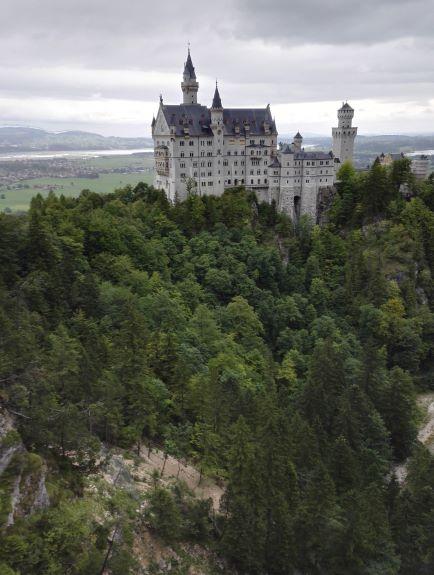 Saksan Neuschwansteinin linna oli kuin satukirjasta. Kuva: Helmi Pusenius